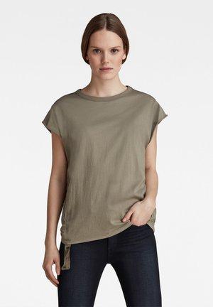 Basic T-shirt - shamrock