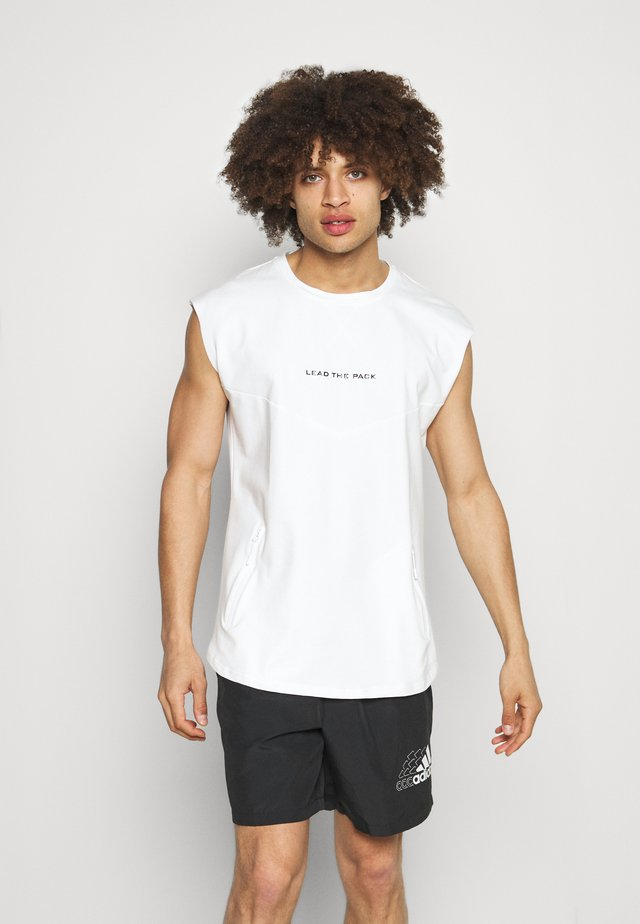 DROP SHOULDER - T-shirt imprimé - white