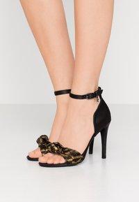 KARL LAGERFELD - MASQUE STUDIO - Sandály na vysokém podpatku - black - 0