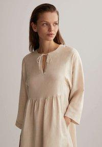 OYSHO - Denní šaty - beige - 2