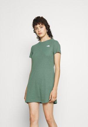 SIMPLE DOME DRESS - Jersey dress - laurel wraeth green