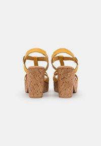 Musse & Cloud - KAROLA - Korkeakorkoiset sandaalit - yellow - 3