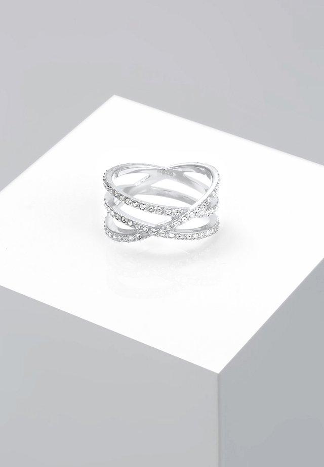 Ringe - white