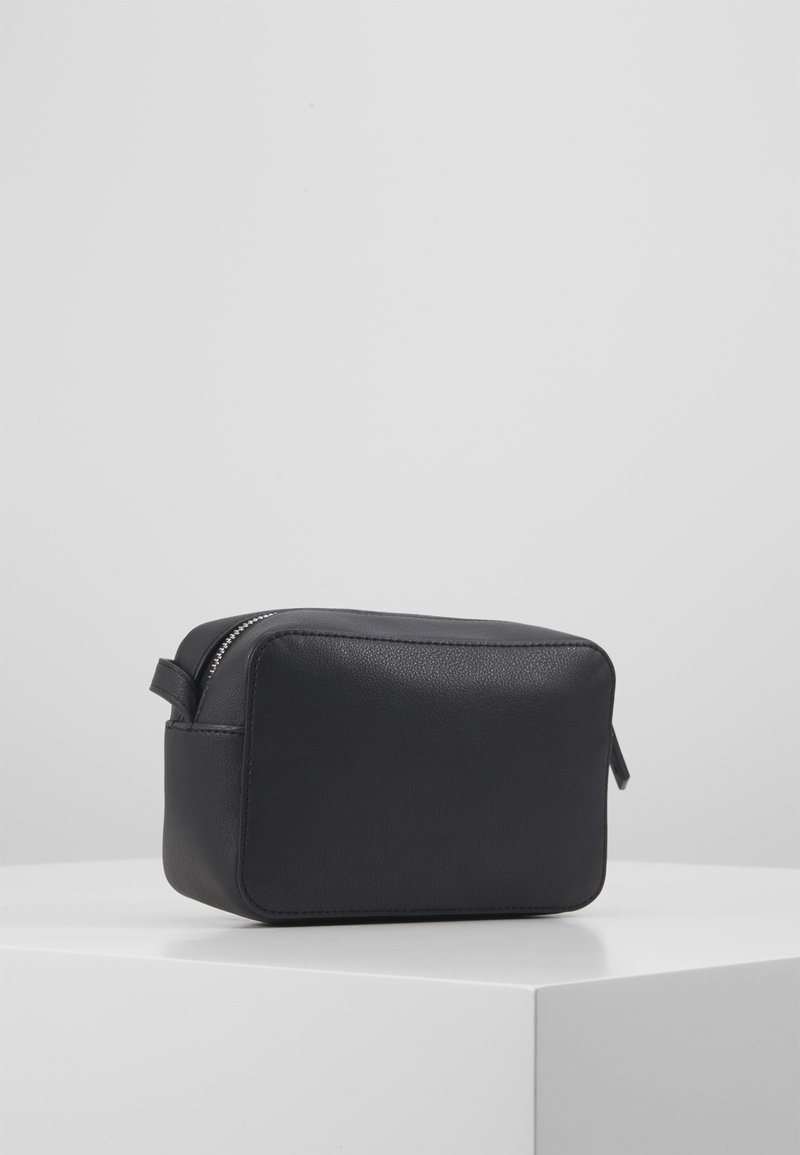 Calvin Klein - CAMERABAG - Taška spříčným popruhem - black