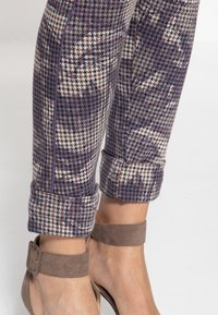 Amor, Trust & Truth - Trousers - lila - 5