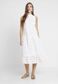 Topshop - SMOCK - Denní šaty - white - 0
