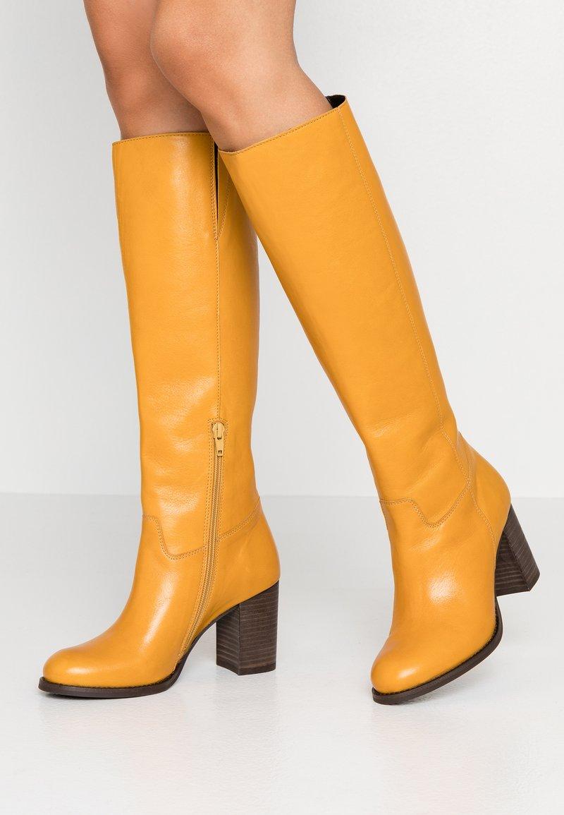 Lazamani - Vysoká obuv - yellow