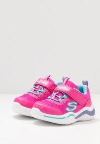 Skechers - POWER PETALS - Tenisky - neon pink/multicolor - 2