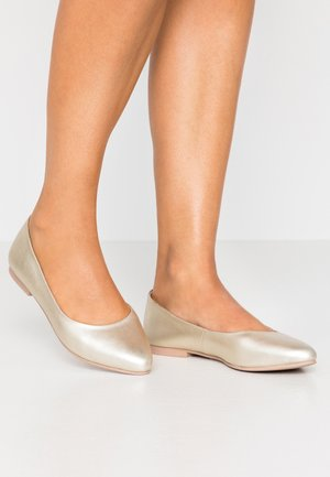 LEATHER BALLERINAS - Ballet pumps - gold