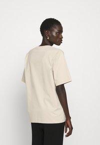 Filippa K - DAGNY - T-shirt - bas - ivory - 2