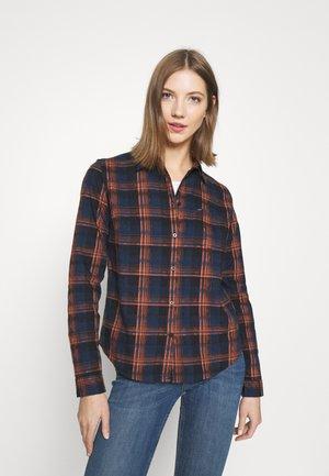 REGULAR FIT - Skjorte - washed blue