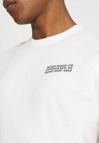 Wood Wood - SAMI INFO - Print T-shirt - off-white - 3