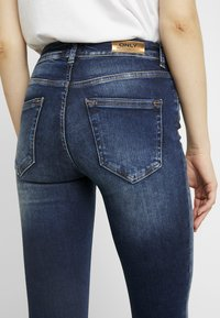 ONLY - ONLBLUSH - Jeans Skinny Fit - dark blue denim - 5