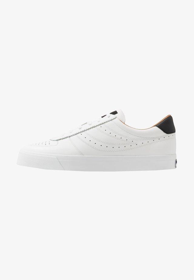 2846 SEATTLE PERFLOGOU - Trainers - white/black