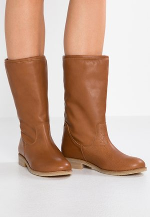 Boots - atenea tabacco