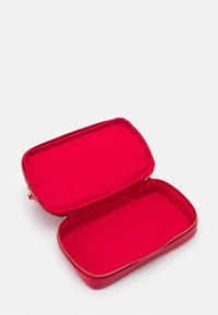 Valentino by Mario Valentino - SOFT COSMETIC CASE - Trousse - rosso - 3