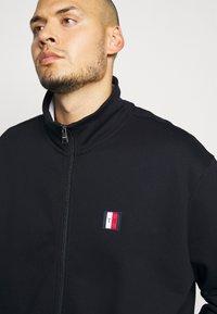 Tommy Hilfiger - GLOBAL STRIPE ZIP THROUGH - Zip-up hoodie - blue - 5