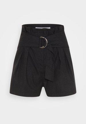 CORSTEN - Shorts - black/white