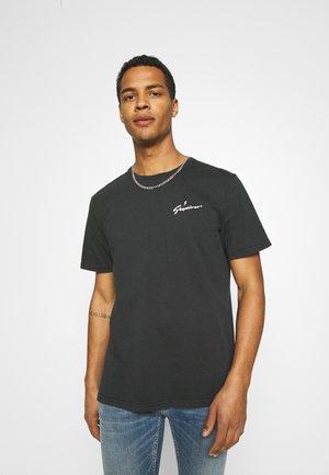 SKYDIVER BAND TEE - Camiseta estampada - black