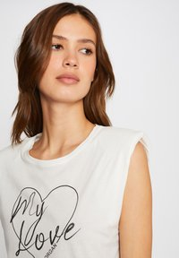 Morgan - WITH MESSAGE - Print T-shirt - off-white - 3