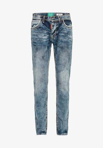 Straight leg jeans - standard