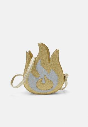 FLAME BAG UNISEX - Taška spříčným popruhem - gold