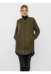 Vero Moda - JACKE   - Light jacket - ivy green - 0