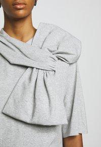 MM6 Maison Margiela - Vestido ligero - grey - 5