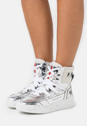 High-top trainers - silver/avorio