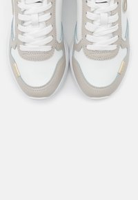 Trussardi - KIRI ACTION - Zapatillas - white/ice/gold - 5