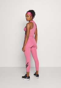 Nike Performance - 7/8 TROMPE  - Tights - desert berry/black - 2