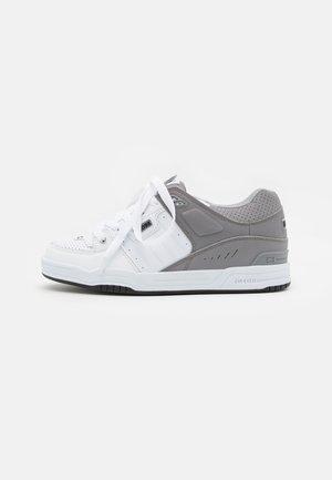 FUSION - Skateschoenen - white/grey split