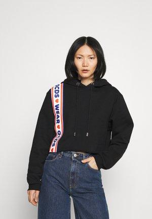 CROP LOVELY HOODIE - Sweatshirt - black