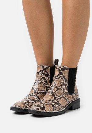 APPLE - Kotníkové boty - brown