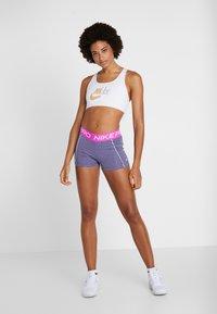 Nike Performance - SHORT SPACE DYE - Legging - cerulean/white - 5