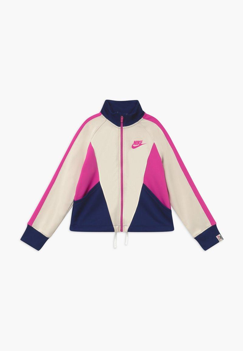Nike Sportswear - G NSW HERITAGE FZ - Veste de survêtement - orewood/blue void/fire pink
