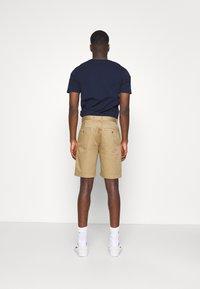 Wood Wood - JONATHAN LIGHT - Shorts - khaki - 2