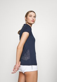 EA7 Emporio Armani - Print T-shirt - navy - 3