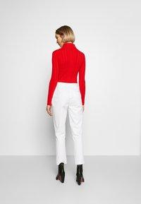 Vivetta - TROUSERS - Pantaloni - white - 2
