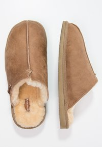 Shepherd - HUGO - Slippers - antique/cognac