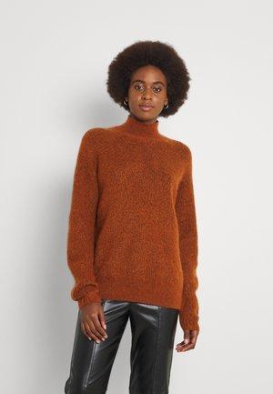 YASBALIRA HIGH NECK - Trui - bombay brown