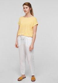 s.Oliver - Print T-shirt - sunset yellow stripes - 1