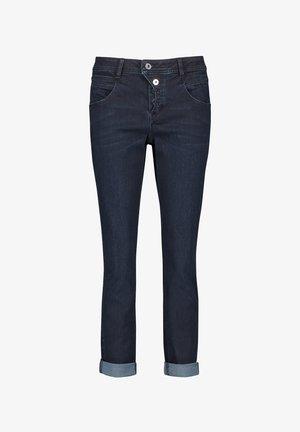 VERKÜRZT BOYFRIEND MIT TURN-UP SAUM - Relaxed fit jeans - dark blue denim