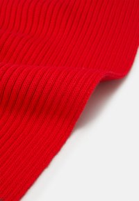 Tommy Hilfiger - BIG FLAG SCARF - Scarf - red