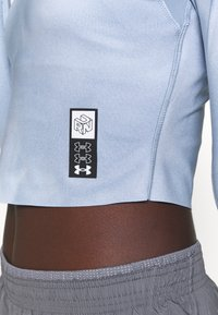 Under Armour - RUN ANYWHERE CROPPED - Long sleeved top - isotope blue - 5