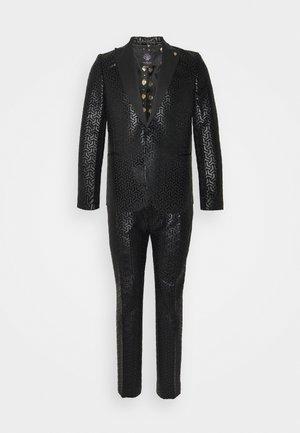 CHAKA SUIT PLUS - Suit - black