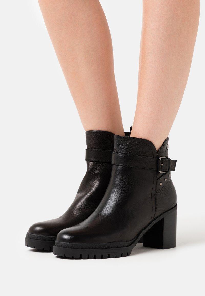 Carmela - LADIES  - Platform ankle boots - black