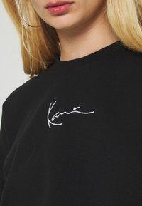 Karl Kani - SMALL SIGNATURE CREW - Sweatshirt - black - 5