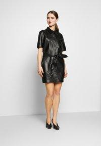 STUDIO ID - JENNIFER DRESS - Robe chemise - black - 1