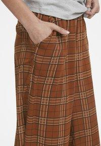 Karen by Simonsen - MICHIGANKB - Spodnie materiałowe - camel - 3
